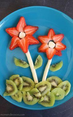 Flower Snack Plate - great food art snack for spring! Flower Snack Plate - great food art snack for spring! Toddler Meals, Kids Meals, Toddler Food, Healthy Kids, Healthy Snacks, Healthy Plate, Eat Healthy, Cute Kids Snacks, Kid Snacks