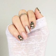 Sophisticated style is easy to do using nail wraps. Mix and match solids, florals, and sparkles to make your own custom look! Diy Nails, Cute Nails, Pretty Nails, Sparkle Nails, Gold Sparkle, Jamberry Nail Wraps, Flower Nails, Manicure And Pedicure, Nails Inspiration