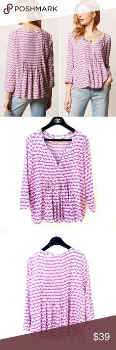 Anthropologie Purple Cream Pleated Mahdia Top Anthropologie Vanessa Virginia Purple Cream Pleated Rayon Flowy Mahdia PeasantTop  24 in long, 19.5 in pit to pit Excellent condition. Feel free to ask me any additional questions. No trades or modeling. Bundles 3+ are 15% off. Happy Poshing! Anthropologie Tops Blouses