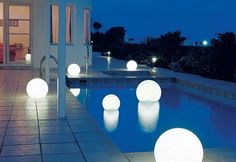 Do you love swimming in a pool at night? These pool lights could build a romantic atmosphere during a night.