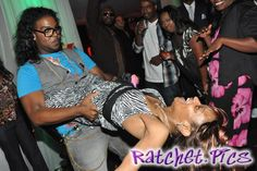 Oh shit she's falling! - funny ghetto pictures, funny pictures, ratchet pictures