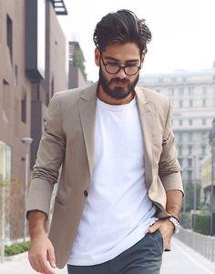Khaki blazer + white t-shirt for a leasurely city stroll