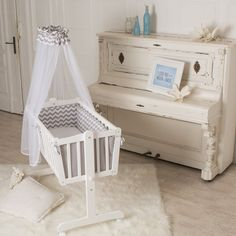 Lovely PuckDaddy baby crib x cm also usable as bed by PuckDaddy