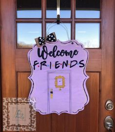 Welcome Friends Purple Raised Wood Door Hanger, Friends Door Decor, Friends TV Show Decor by MsArtsyFartsyDecor on Etsy Friend Birthday, 30th Birthday, Birthday Party Themes, Birthday Ideas, Friends Show, Friends Trivia, Friends Episodes, Friend Crafts, Grad Parties