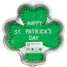 Wilton Shamrock Pan *** Once in a lifetime offer : Baking pans Cake Supplies, Baking Supplies, Party Supplies, Baking Cupcakes, Cupcake Cakes, Shaped Cake Pans, Web Design, Wilton Cake Decorating, Saint Patrick