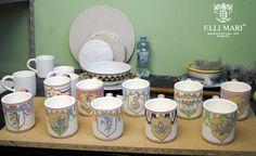 Some mugs with Palio di Siena decoration... ready for the firing. Alcuni bicchieri con il decoro Palio di Siena... pronti per la cottura. #italianceramics #madeinitaly #handmade #paliodisiena #mugs