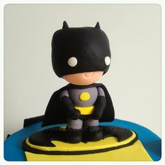 Batman fondant..i can try to make this!