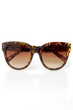e2895d9f9df The In Sun Respects Tortoise Sunglasses have a cool retro-vibe with three  small metallic accents in the corners of oversized