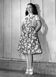 Gorgeous Ann Blyth in a darling 40s pinafore dress shirt shoes war ara vintage fashion style photo print ad movie star