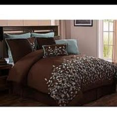 Shop for VCNY Embroidered Leaves Chocolate Brown Comforter Set. Get free delivery On EVERYTHING* Overstock - Your Online Fashion Bedding Store! Luxury Comforter Sets, King Comforter Sets, Bedding Sets, Teal Bedding, Queen Bedding, Bed Sets, Hm Deco, Brown Comforter, Embroidered Leaves