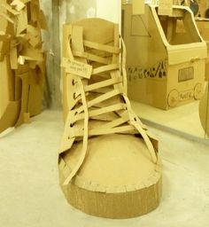 Volum de sabates.  També amb film precintat