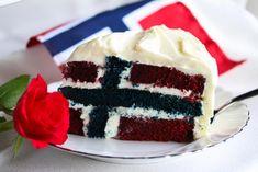 Norske flaggkake  Translated:Norwegian flag cake