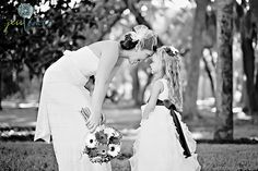 What a perfect picture of the Bride and Flower Girl.  Precious. #photo, #bride, #flower girl