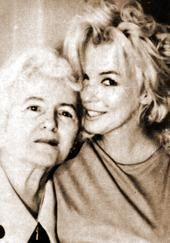 Marilyn Monroe with her mother, Gladys I had never seen her with ANY family members. This was nice to see.