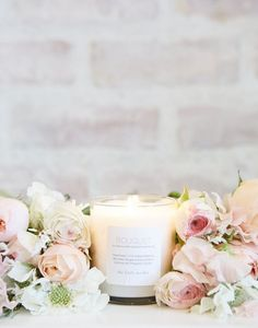 Bouquet scented candle by The Little Market.