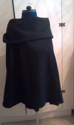 fleece sewing for women | Fleece Cowl Cape – Sewing Projects | BurdaStyle.com... YAAY,, I MADE THIS ONE ALREADY...