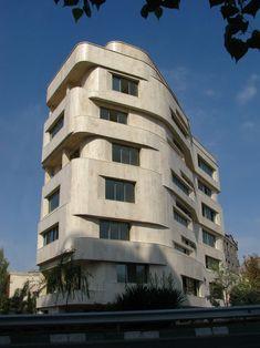 Architecture Iran – geometry, light, space