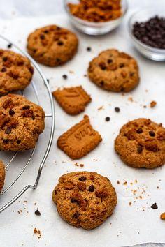 oatmeal cookies chocolate chip * oatmeal cookies oatmeal cookies easy oatmeal cookies healthy oatmeal cookies chewy oatmeal cookies recipes oatmeal cookies chocolate chip oatmeal cookies easy 2 ingredients oatmeal cookies with quick oats Easy Peanut Butter Cookies, Healthy Chocolate Chip Cookies, Chocolate Chip Recipes, Chocolate Chip Oatmeal, Healthy Cookies, Cake Chocolate, Chip Cookie Recipe, Oatmeal Cookie Recipes, Oatmeal Cookies