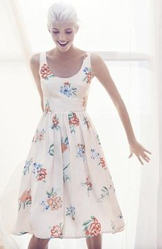 Love this cute summer dress! BB Dakota 'Heleen' Floral Print Fit & Flare Midi Dress available at Estilo Lady Like, Pretty Outfits, Cute Outfits, Dress Skirt, Dress Up, Flare Dress, Look Retro, Mode Chic, Vestidos Vintage