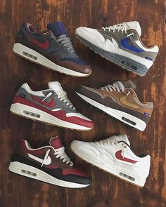 - Do you prefer the LEFT or RIGHT row of Nike Air Max 1 ID's? 👥 By 🔥 Click the link in our bio to shop these. Nike Air Max Herren, Tenis Nike Air Max, Nike Air Max Mens, Nike Men, New Sneakers, Air Max Sneakers, Sneakers Fashion, Sneakers Nike, Leggings Nike