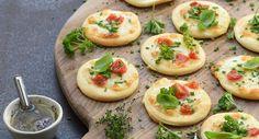Mini-pizzas blanches aux herbes