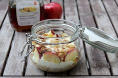 Overnight Oats Apfel Walnuss Oats .