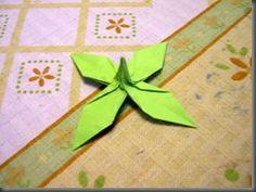Origami desde Lerma: Método Lermeño para hacer rosas de papel Origami Rose, Fabric Origami, Origami Paper, Paper Art, Paper Crafts, Origami Videos, Paper Folding, Flora, Simple