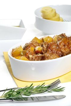 Meat Steak, Food Decoration, Steak Recipes, Chana Masala, Mashed Potatoes, Food To Make, Lamb, Chili, Food And Drink