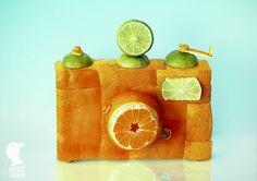 De professionele Roemeense fotograafDan Cretuklooit graag met eten. Kerstmannen van sinaasappels, ooievaars van sla, bloemen van paprika's. Het is een vrolijke en bonte verzameling beelden. We krijgen er trek van! Wil je meer van zulke gave creaties zien? Bekijk zie dan ookdeze meloenendietot ware kunst verheven zijn of, wanneer je niet van groente en fruit […]