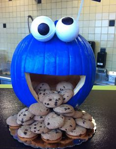 Blue Cookie Monster Pumpkin~ What a great use for pumpkins. Ok whether you celebrate Halloween or not! How can you not love the foam eyeballs??