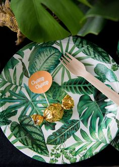 Dinosaur (+ printables) - In Good Company Dinosaur Printables, Dinosaur Party, Good Company, Plant Leaves, Table Decorations, Plants, Projects, Home Decor, Log Projects