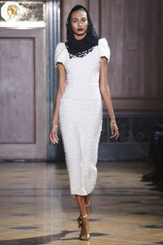 Sophie Theallet Fall 2016 Ready-to-Wear Fashion Show Collection: See the complete Sophie Theallet Fall 2016 Ready-to-Wear collection. Look 23 Couture Fashion, Runway Fashion, Fashion Fashion, High Fashion, Luxury Fashion, Trump Models, Sophie Theallet, Fall Fashion 2016, Clothing Photography