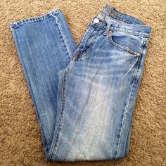 American Eagle Outfitters jeans Slim straight. Light blue jeans. 28x32. American Eagle Outfitters Pants