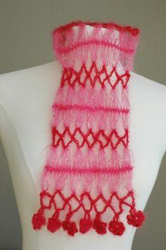 Rosebud Scarf: Free Hairpin Lace Crochet Pattern