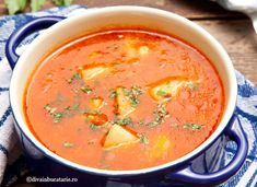 CIORBA DE CARTOFI CU ROSII SI LEUSTEAN | Diva in bucatarie No Cook Meals, Thai Red Curry, Food And Drink, Health Fitness, Yummy Food, Cooking, Ethnic Recipes, Hot, Essen