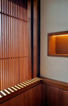 Residência RW (Búzios, 2008) / Bernardes + Jacobsen Arquitetura (Arquitetura) / Toninho Noronha Arquitetura (Interiores) #banheiro #bathroom #lighting #wall #niche