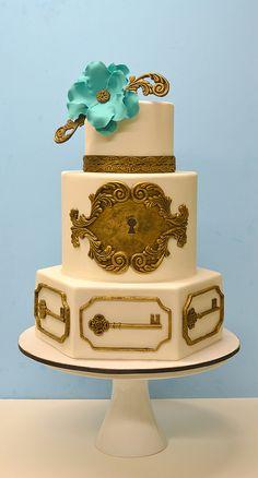 Skeleton key and lock Cake