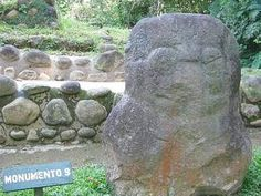 Takalik Abaj.  Monumento 9 del preclásico medio