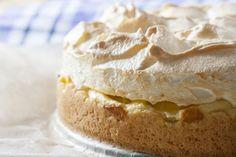 Ez most a diétás csúcstartó: Karfiolzsömle! Food Cakes, Pavlova, Food To Make, Peanut Butter, Cake Recipes, Cheesecake, Food And Drink, Low Carb, Pie