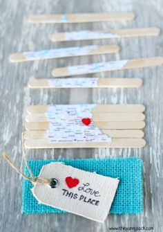 This popsicle stick game is the perfect DIY family night puzzle!