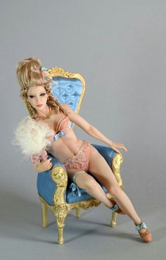Marie Antoinette - polymer clay sculpted by Anna Rosa Indennimeo