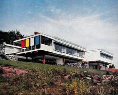 The June Halverson Alworth House, Marcel Breuer, Duluth, Minnesota, 1955 Marcel Breuer, Residential Architecture, Art And Architecture, Mid Century Exterior, Googie, Alvar Aalto, Modern Exterior, Brutalist, Mid Century Design