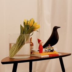 Yellow tulips #yellow #tulips #ikea #vitra #alessi #playmobil #white #minimalism #interiordesign #design #myroom #astoria #astoriaditmars #eames #eamesbird #newyork