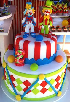 Bolo de aniversário do Patati Patatá Circus Birthday, Circus Party, Boy Birthday Parties, Birthday Cake, Circus Cakes, Pastry Design, Gorgeous Cakes, Cakes For Boys, Themed Cakes