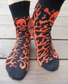 Ravelry: TOXIC pattern by Carol Young Weaving Patterns, Knitting Patterns Free, Free Pattern, Crochet Patterns, Knit Mittens, Knitting Socks, Fair Isle Knitting, Cool Socks, Making Ideas