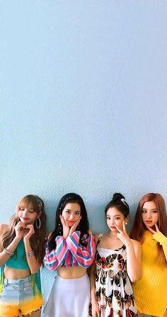 wow dis photo is so cute Kpop Girl Groups, Korean Girl Groups, Kpop Girls, Mode Hipster, Divas, Lisa Blackpink Wallpaper, Black Pink Kpop, Blackpink Photos, Blackpink Fashion
