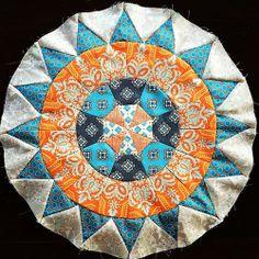 Camelot Bloc 8/16 fait!  # # Camelotquilt handpieced # patchwork par FarahLin sur Flickr.