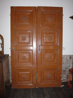 Historische #Türen für Ihre #Restaurierung oder #Neubau!   http://www.fachwerk-antik.de/historische-baustoffe/holz/historische-tueren.html