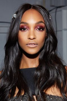 Runway Beauty: Sexy Burgundy at La Perla A/W 2017 - Makeup For Life