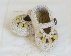 CROCHET PATTERN Oakland Baby Booties by HopefulHoneyDesigns